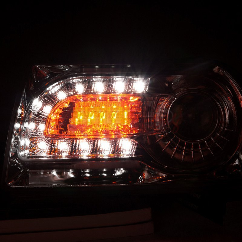 Housing Spec-D Tuning LHP-30005-V2-TM Chrome Projector Headlight