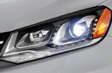 Sylvania® - Replacement Headlight Bulbs on Volkswagen Touareg