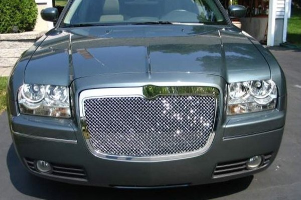 2005 Chrysler 300 Grill