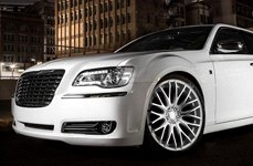 TIS® - 537MS Silver with Mirror Machined Face and Groove on Chrysler 300C