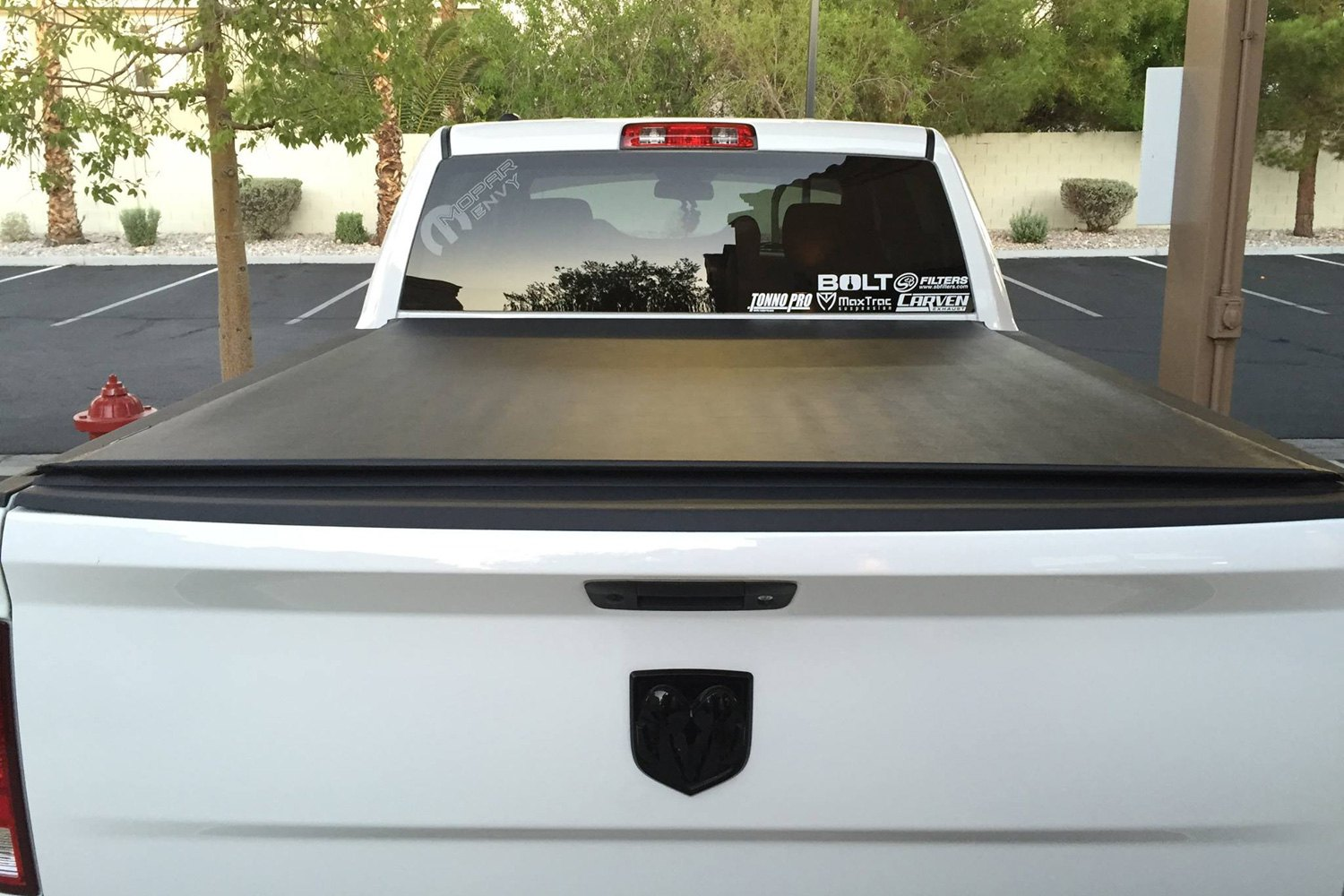 Tonno Pro LR-3080 Lo-Roll Black Roll-Up Truck Tonneau Cover