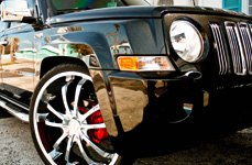 TOUREN® - TR5 Chrome on Jeep Patriot