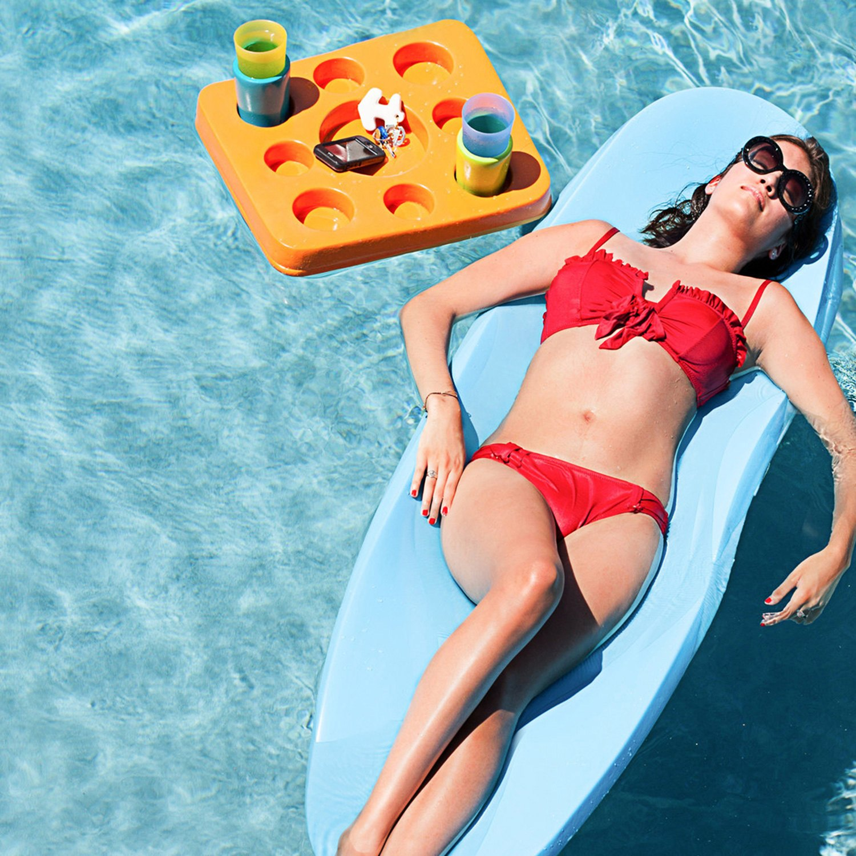 Trc recreation 8050026 super soft sol pool float for Pool floats design raises questions