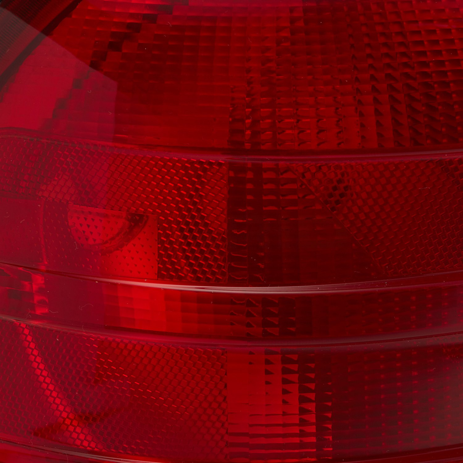 TYC® 11-5372-91-1 - Driver Side Replacement Tail Light for Brake Light Texture  45hul