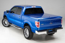 UnderCover® - SE Smooth™ Tonneau Cover on Ford F150