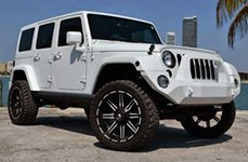 V-ROCK® - REACTOR Matte Black with Machined Accents on Jeep Wrangler