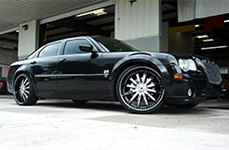 VENICE® - DOLCE Black with Machined Face, Pinstripe and Chrome Inserts on Chrysler 300