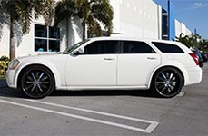 VENICE® - DOLCE Black with Machined Face, Pinstripe and Chrome Inserts on Dodge Magnum