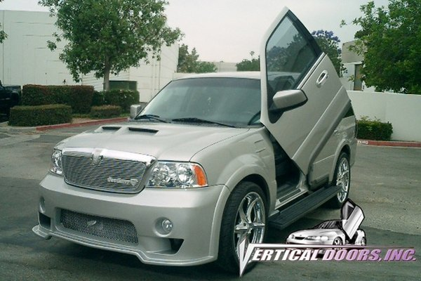 Lincoln Navigator - Lambo Vertical Doors. Item Number: 42181. 1998 Lincoln