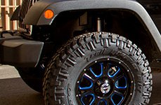 VISION OFF-ROAD® - FURY Gloss Black with Blue Spokes on Jeep Wrangler