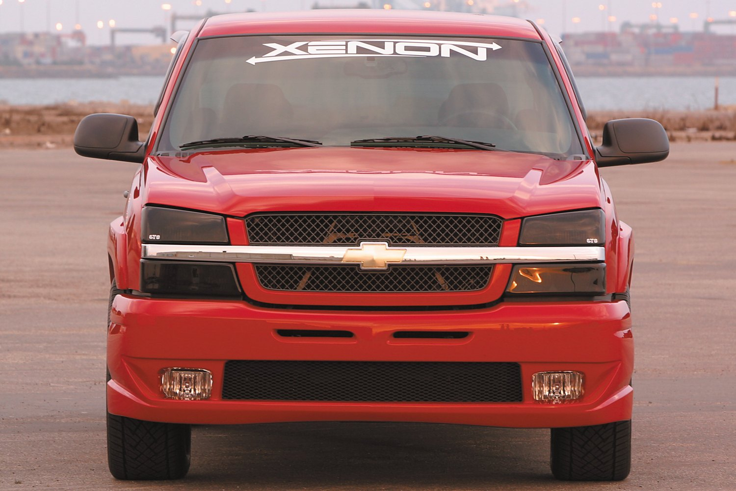 xenon chevy avalanche 1500 without body cladding 2004 front and rear bumper covers. Black Bedroom Furniture Sets. Home Design Ideas