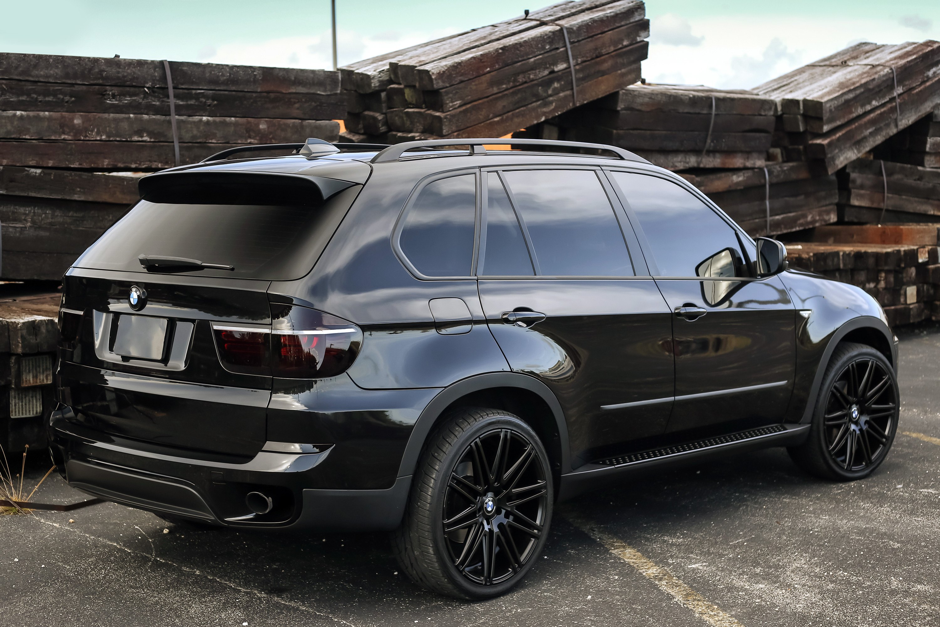 MILAN Matte Black On BMW X5XOR